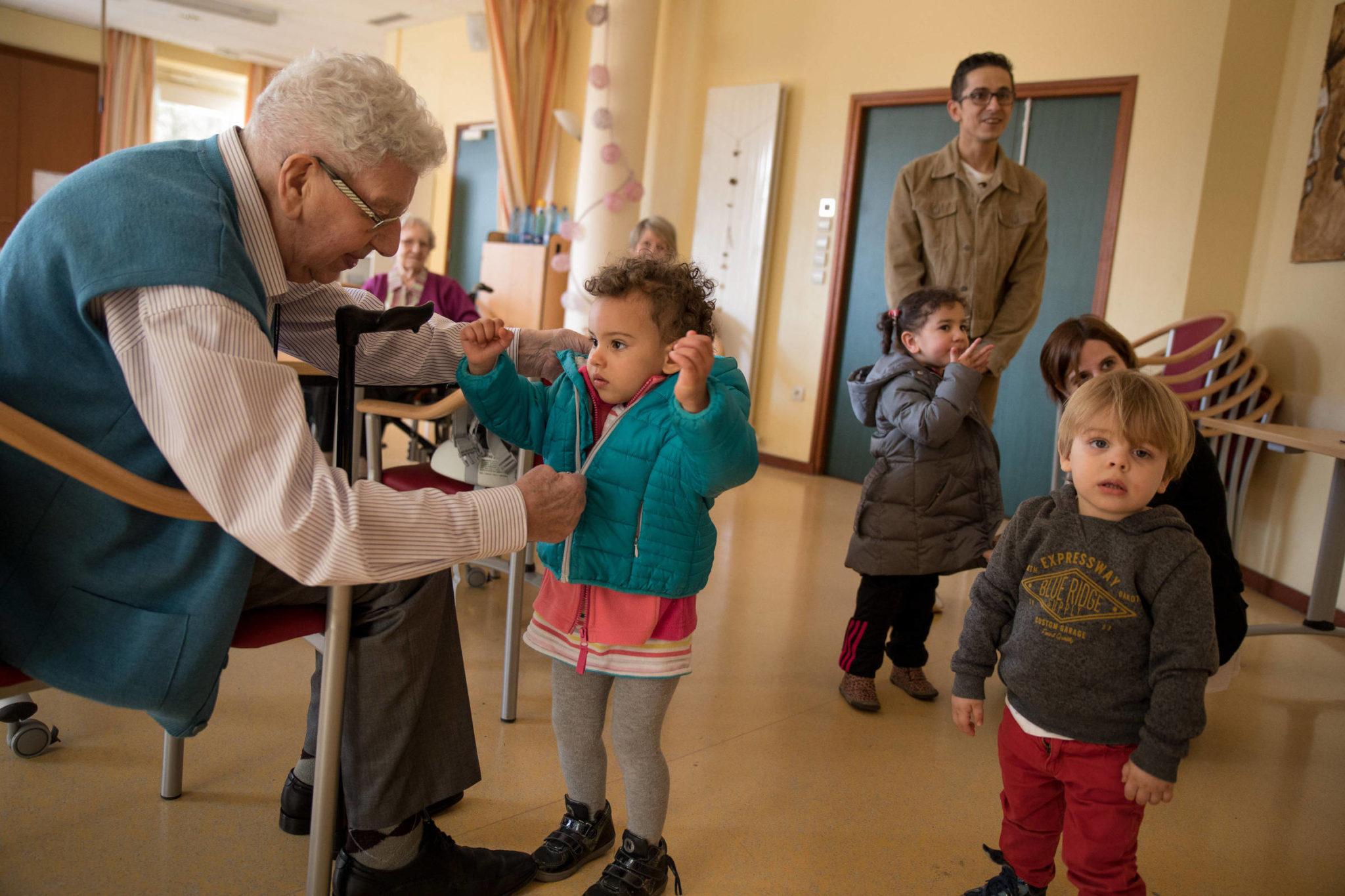 Sala de Aula:  o que é Cultura do Cuidado? Ela é urgente e salva idosos