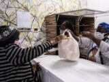 Tutu, a vovó cidadã alimenta 130 famílias