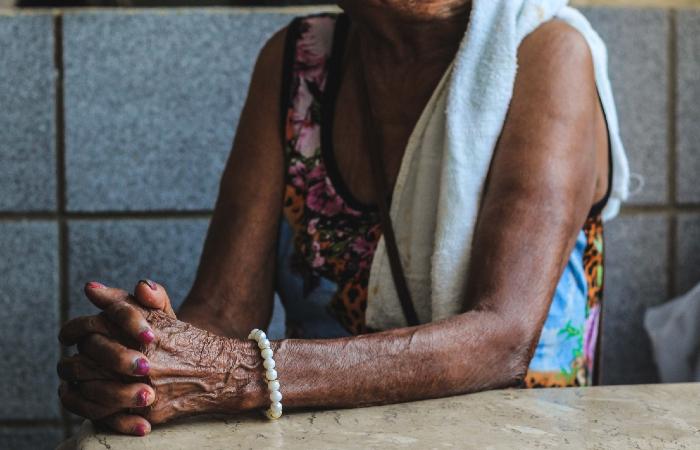 Brasil Idoso: violência financeira contra idosos dispara mais de 270% em PE