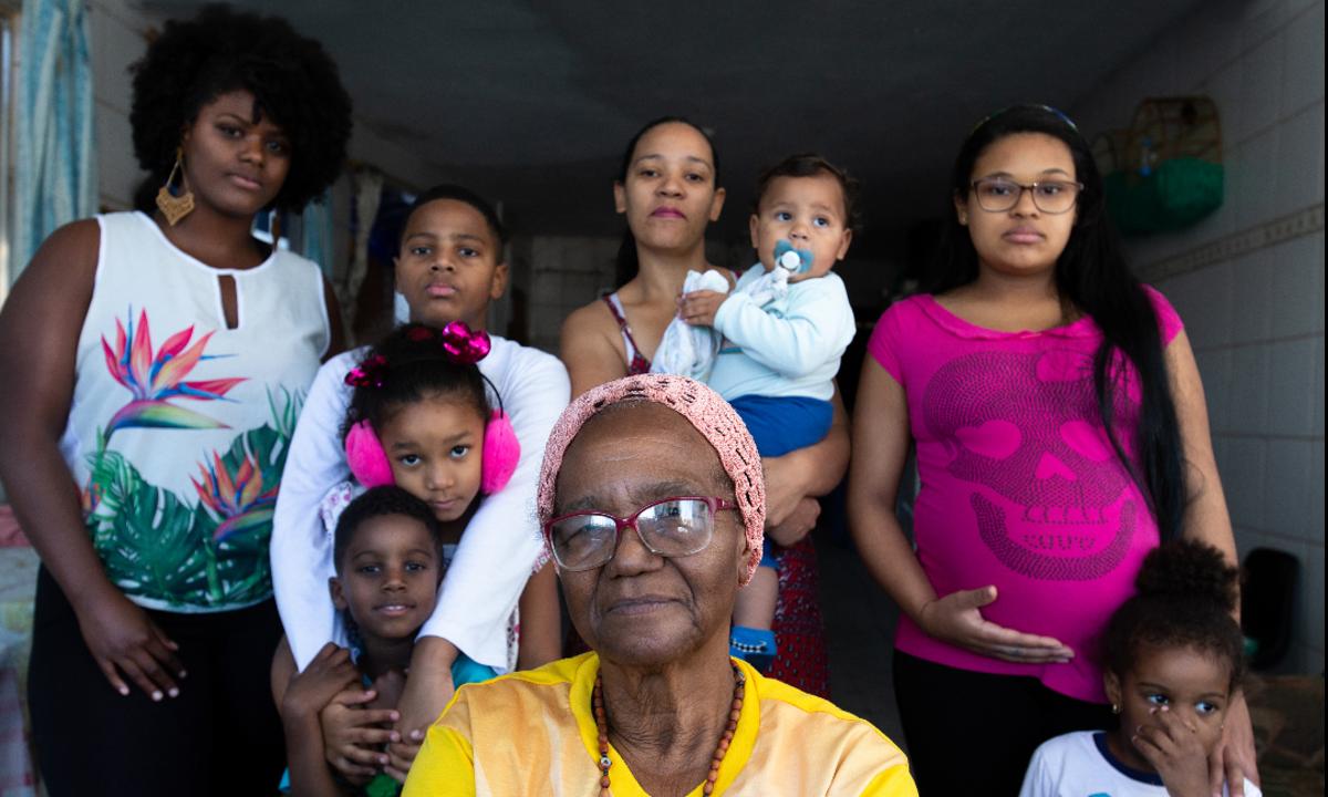 Com a morte dos idosos, 20% das famílias que sustentam, morrem com eles