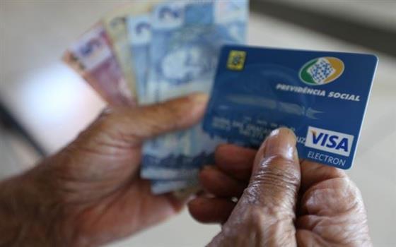 Brasil Idoso, 24 de janeiro _ Cartilha para orientar idoso sobre crédito
