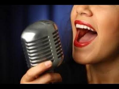 Quem canta, a velhice espanta