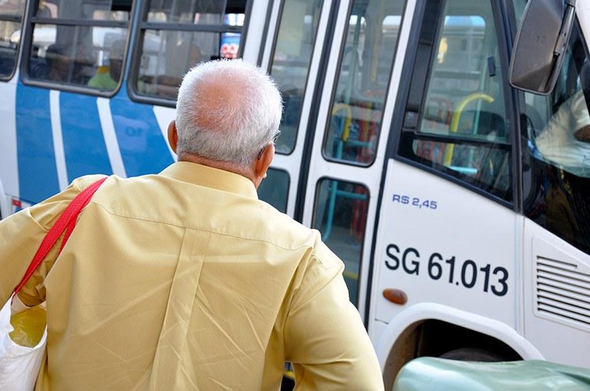 Projeto amplia de 10 para 15% o percentual de assentos de idosos nos transportes